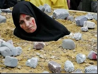 muslims stoneing woman